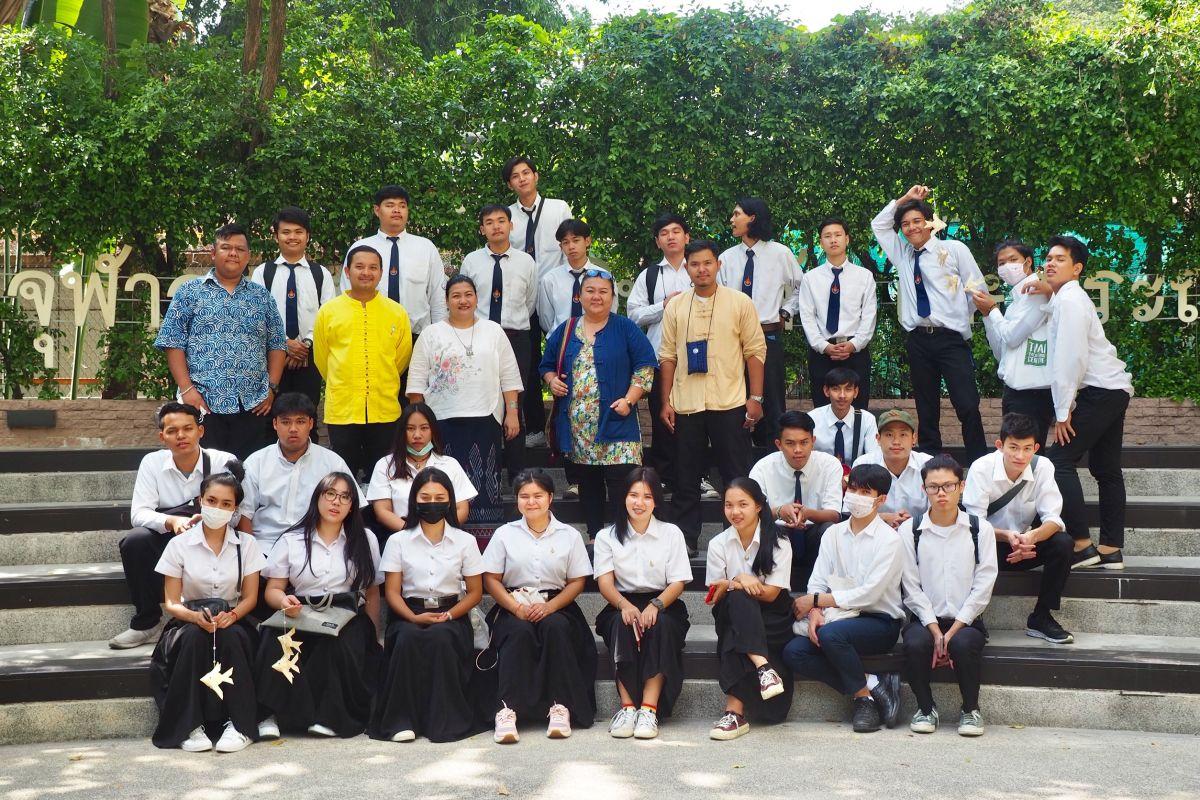 อาจารย์และนักศึกษาคณะศิลปศาสตร์ เป็นวิทยากรโครงการเอกลักษณ์ไทย ณ โรงเรียนสาธิตจุฬาลงกรณ์มหาวิทยาลัย ฝ่ายประถม
